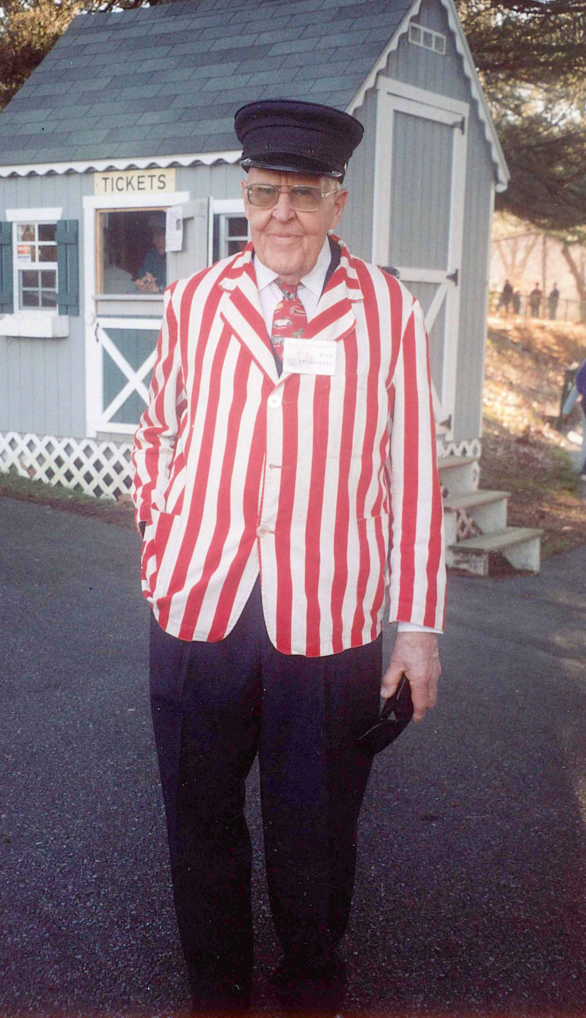 2006ca Tom in red striped jacket