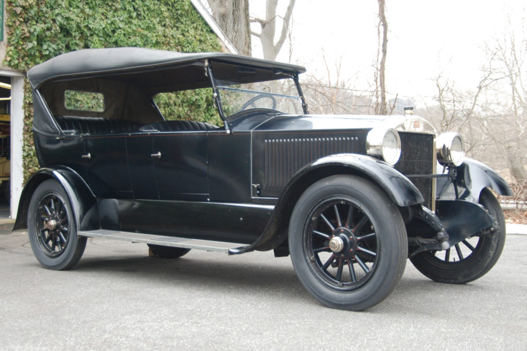 The 1922 Stanley Model 740 is an all black car with a black top